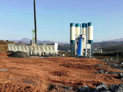 湖南郴州HZS180混凝土攪拌站設備施工現場