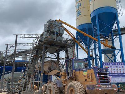 新峰定制HZS75混凝土攪拌站助力中鐵旬鳳高速建設