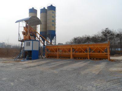 湖北隨州HZS75混凝土攪拌站設備施工現場